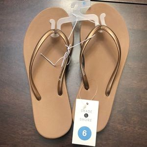 Shade & Shore copper color sandals.  Size 6 new.